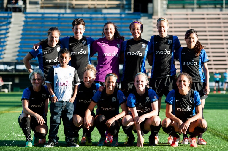 SeattleReignFCvsRedStars-25