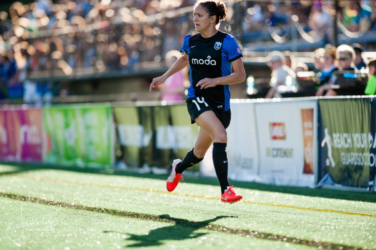 SeattleReignFCvsRedStars-30