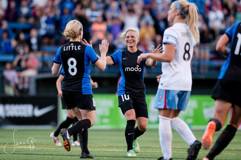 SeattleReignFCvsRedStars-75